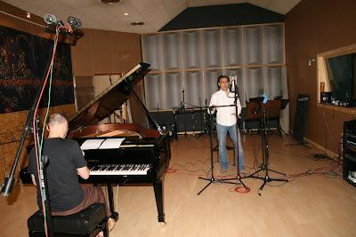 b990e87930bc 13 arias clásicas con una media de 2.5 tracks por sesión. El hecho de  grabar a duo