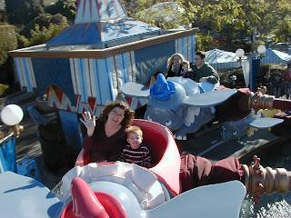 aka pastor guy: Disneyland Resort: Christmas 2003 (Thursday)