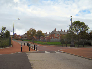Looking up Broadmead Way with Woodstock Road to the left and right