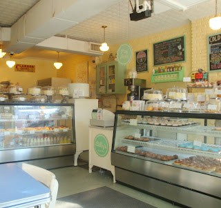 Le Petit  Bakery