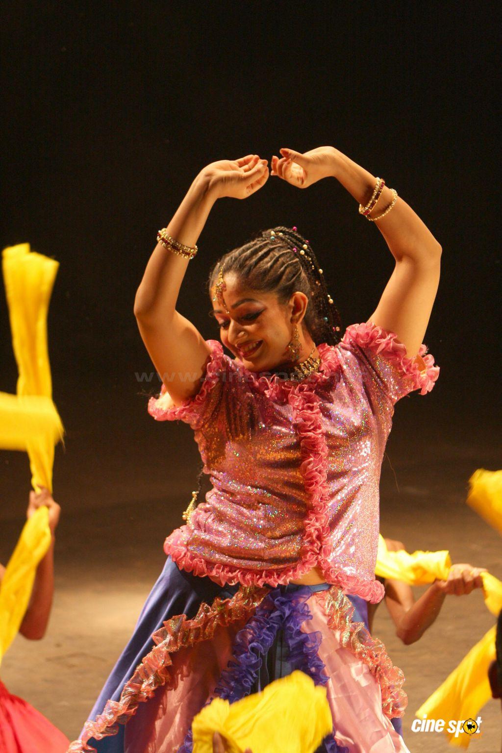 Fashion Trend Style Kavya Madhavan Hot Photos-7738