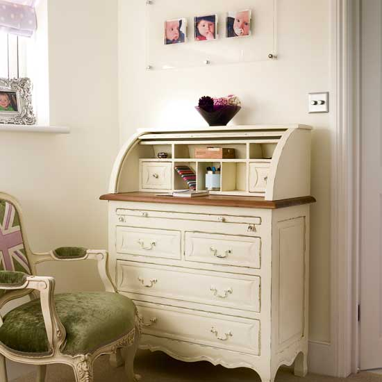 Every woman needs a craft room - cottagestyleblogs