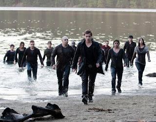O Exército recém-nascido dirigido por Riley (Xavier Samuel) - Crepúsculo 3: Eclipse