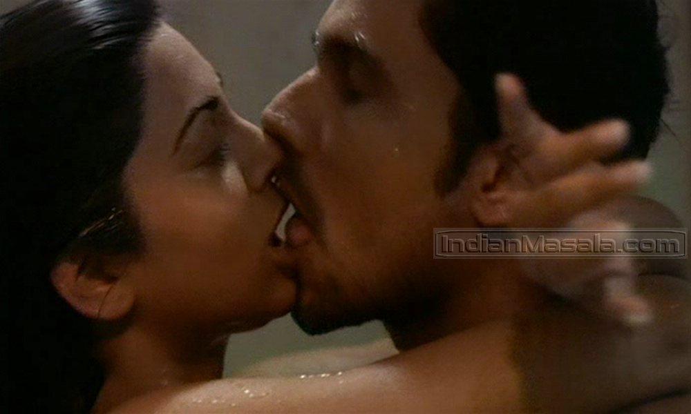 Sushmita sen kiss scene