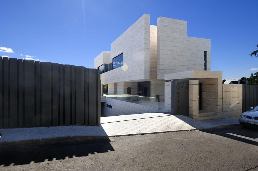Arquitectura arquidea vivienda unifamiliar en las rozas - Vallas exteriores para casas ...
