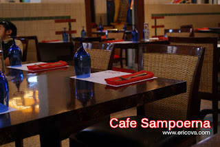 Ngafe di Caf� Sampoerna