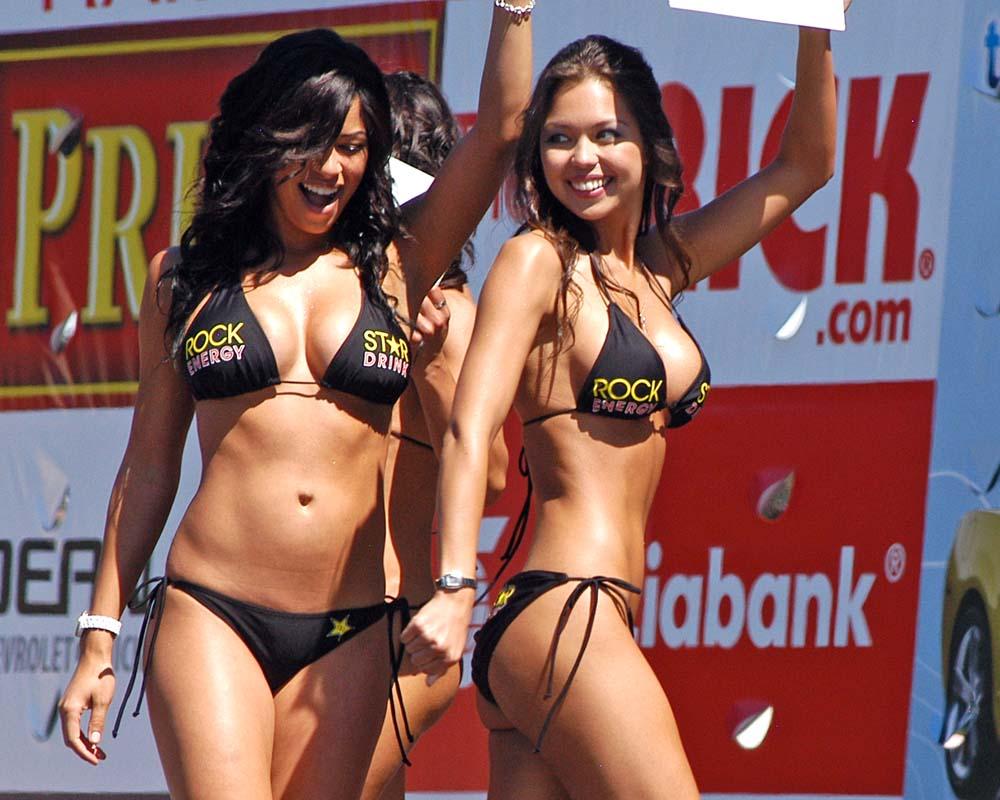 vid Chin bikini