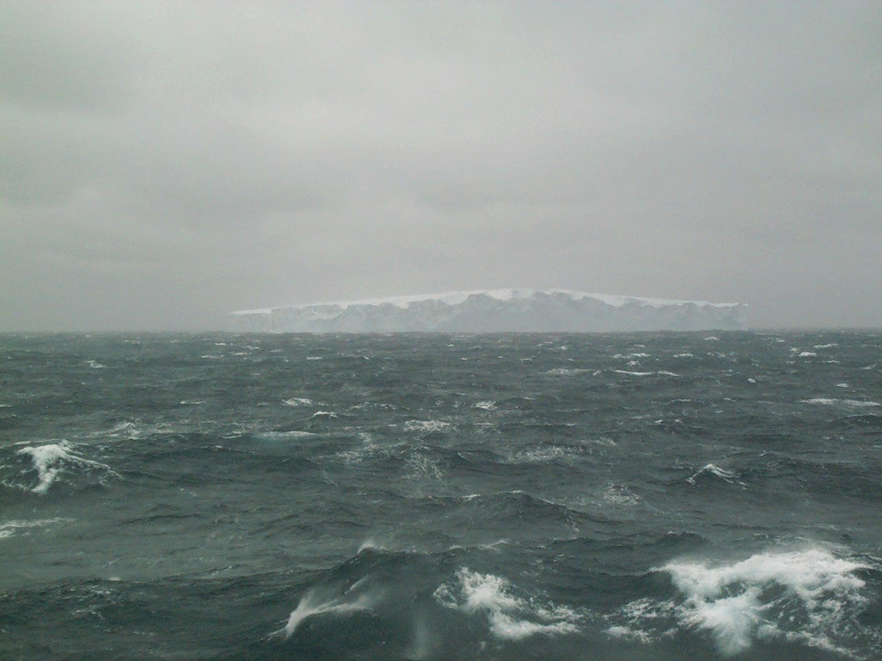 where do the southern ocean and indian meet