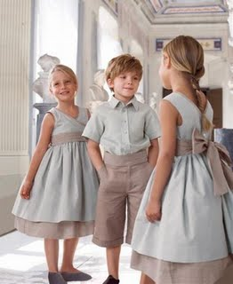 63b7ba122d ... clásicas pero la elección del velo de lino y del algodón trabajado en  unos colores naturales y crudos dan como resultado una ropa ideal para una  boda ...