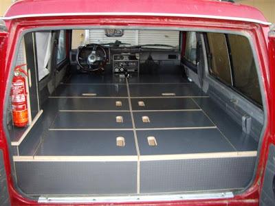 ruta4x4 cama en un todoterreno 4x4. Black Bedroom Furniture Sets. Home Design Ideas