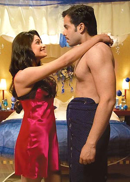A Few Days Back The News Columns Were Abuzz With The Reports That Prachi Desai Was Very Inhibited And Apprehensive About A Bath Tub Scene With Tusshar