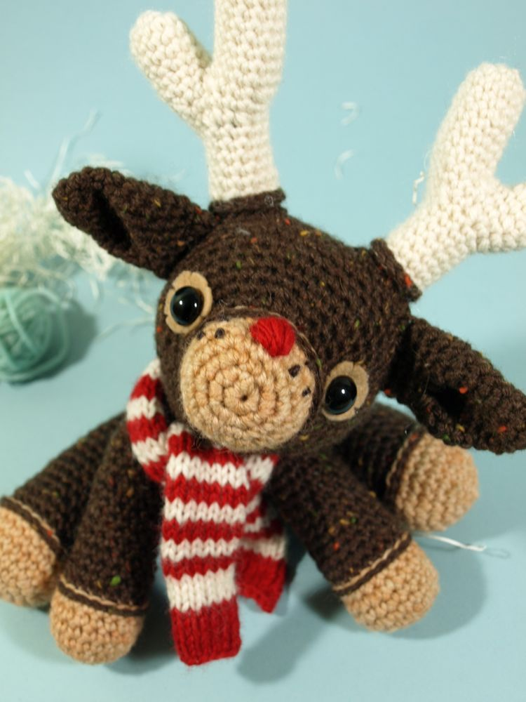 Murray (the merry) reindeer free pattern