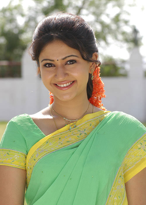 We(v) like Girls: Cute Tamil Actress Poonam Bajwa saree