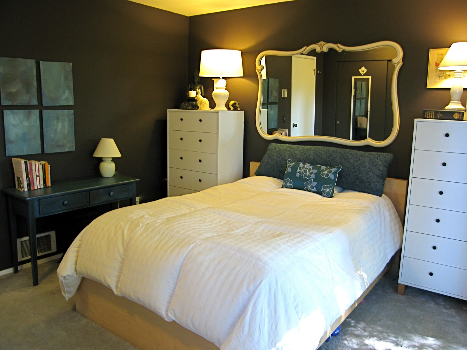 Rivalee Design: Painting your bedroom with dark paint