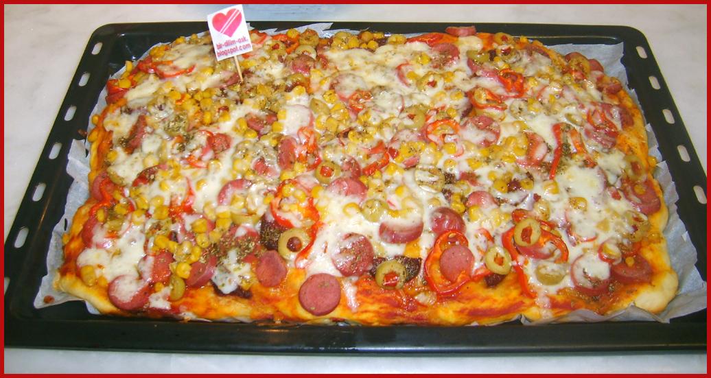 Bir Dilim Aşk Karışık Pizza Tarifi