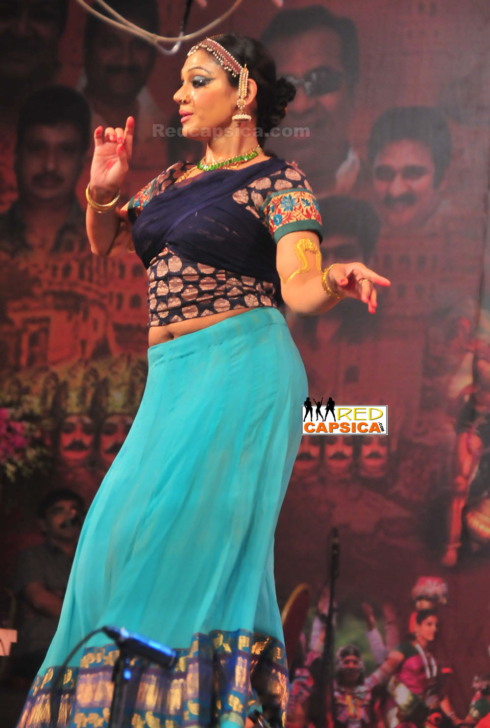 Indian Hot Actress: Shobana latest navel show from a dance ...