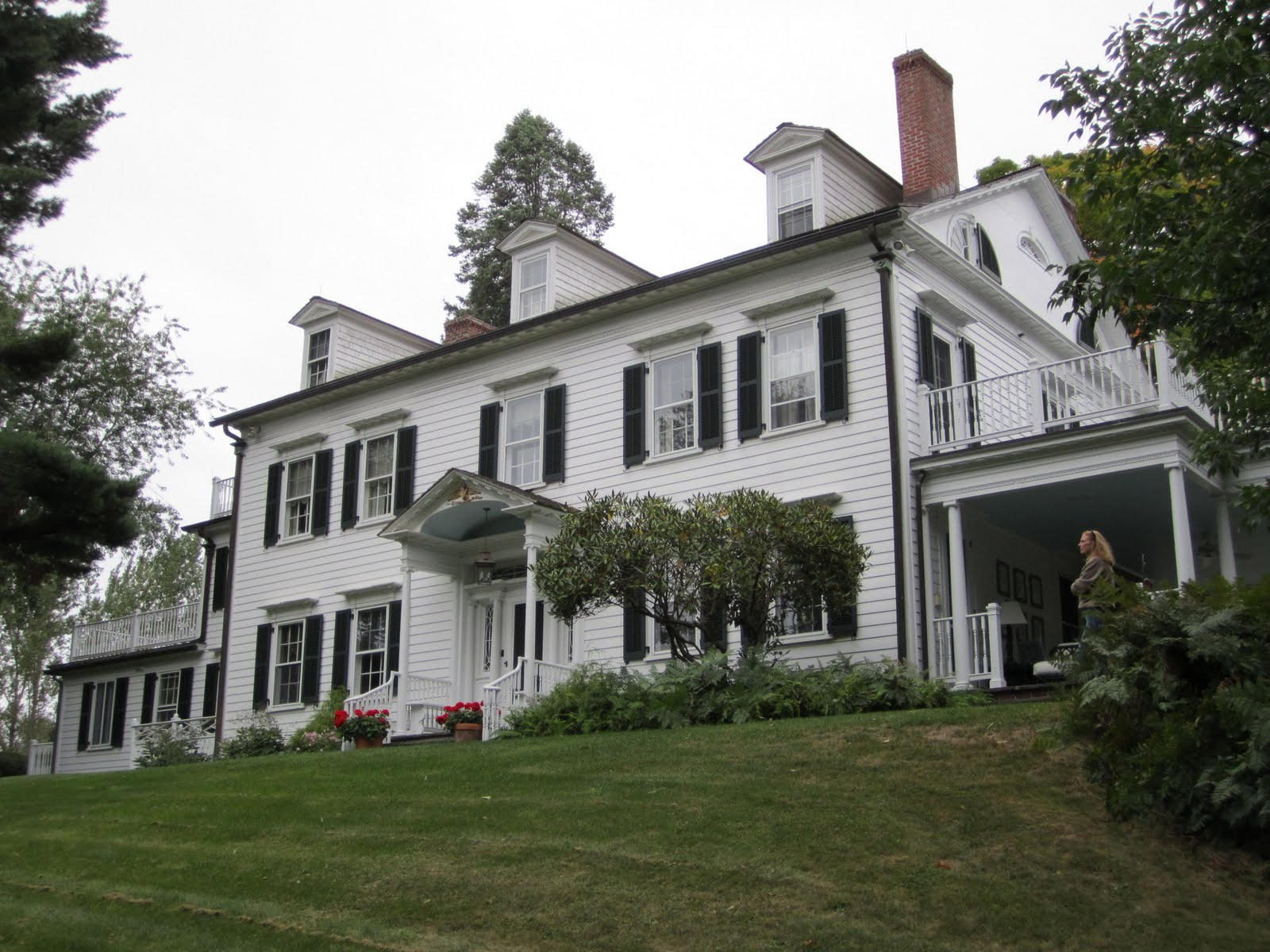 BIG OLD HOUSES: A Fine Colonial House
