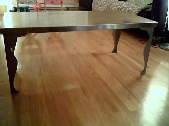 a vendre table basse ikea metal avec pied style renaissance. Black Bedroom Furniture Sets. Home Design Ideas
