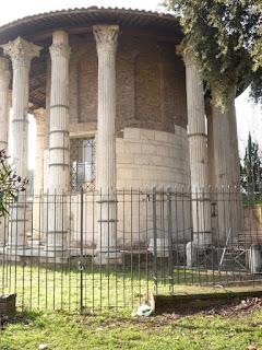 Templo de Hércules, COlunas