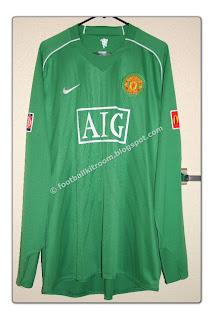 0e9af32f4 07-08 Manchester United Away GK 2007 Community Shield #1 VAN DER SAR