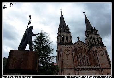 La Santa Cueva, Basílica de Santa María la Real de Covadonga y la Santina en Asturias