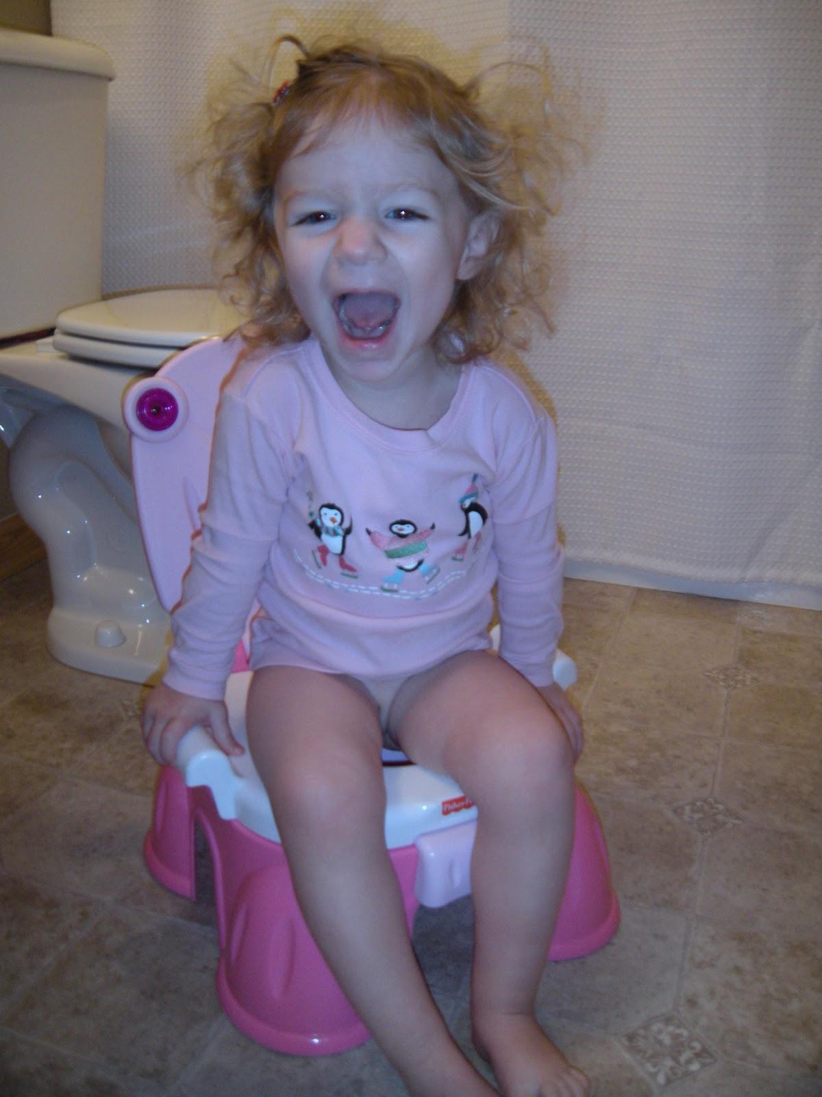 Auntie Em's Eyes: Potty Training Day 1 - Olivia 8:30 a.m ...