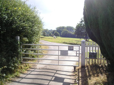 Hanworth Common with the gated roads leading onto the village common