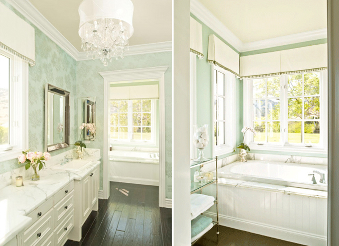 Julia Ryan: Pretty Bathrooms