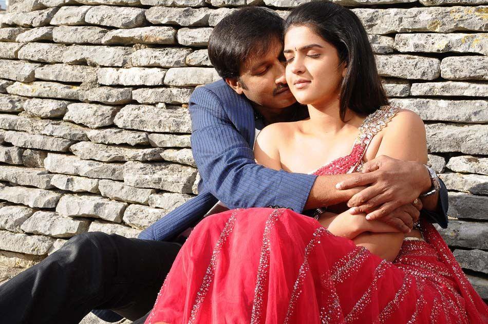 Wanted Telugu Movie Hot Romantic Stills  South Actress-2807