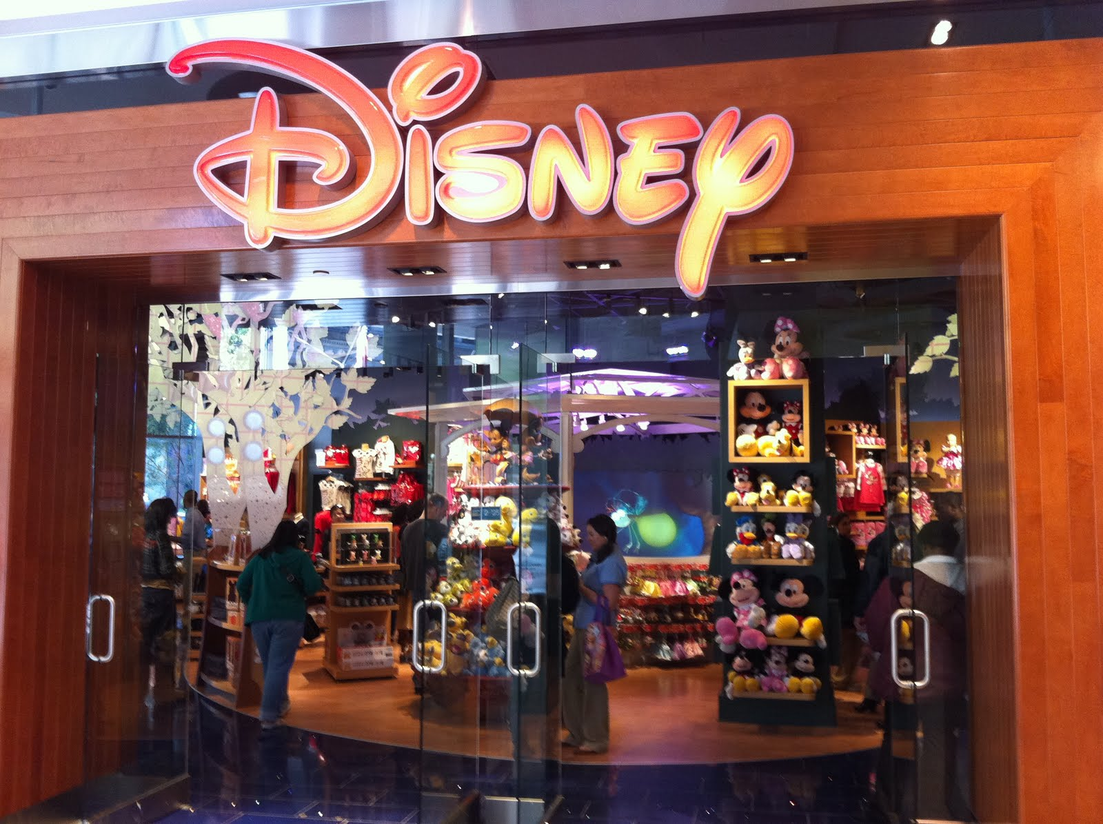 My Disney Mania: New Disney Store opens in downtown ...  My Disney Mania...