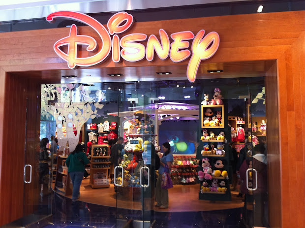 Disney Mania Store Opens In Downtown Chicago' Block 37 Shops