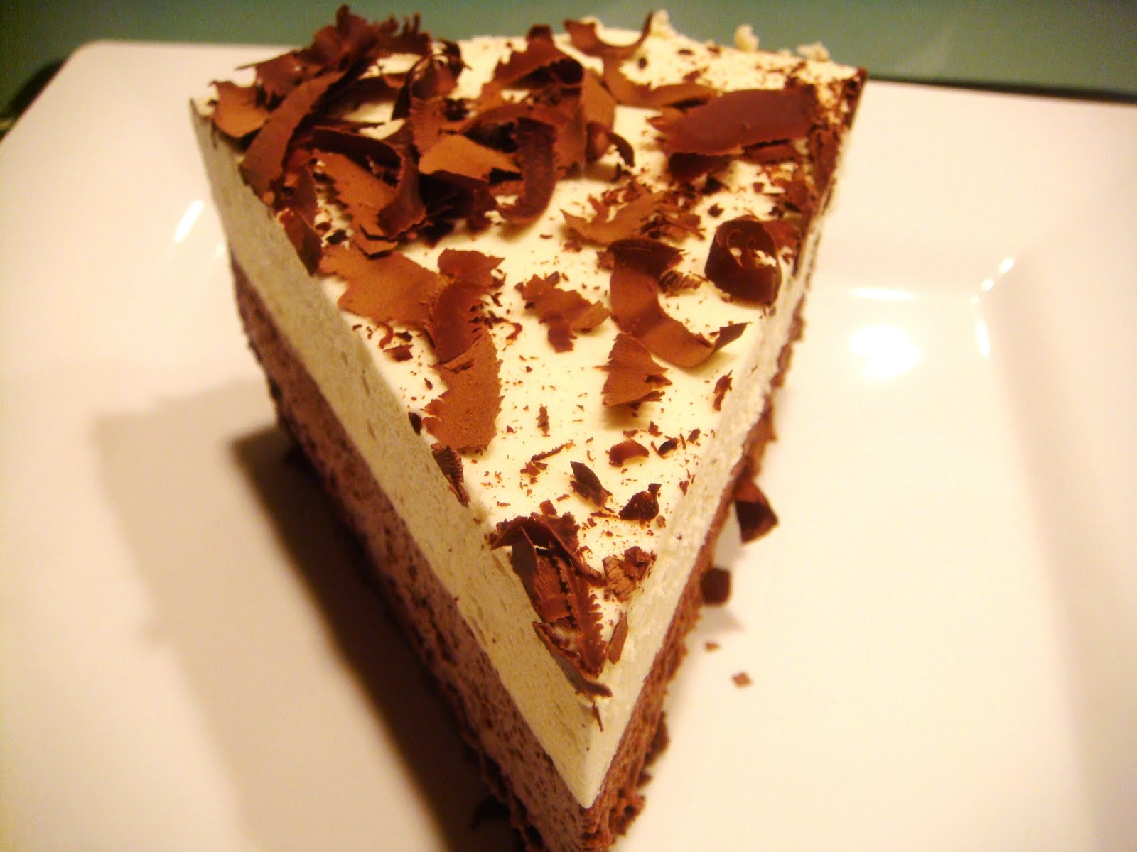 Yummy Layered Cake Recipes: Delicious Dishings: Triple Chocolate Mousse Cake
