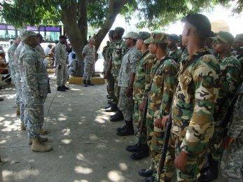 Resultado de imagen para Contingente militar dominicano enviado a la frontera con haiti