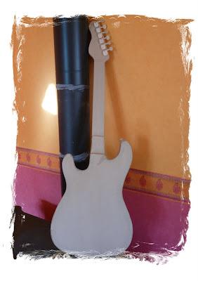 "100%Carton: Guitare ""Stratocaster"" - Fender"