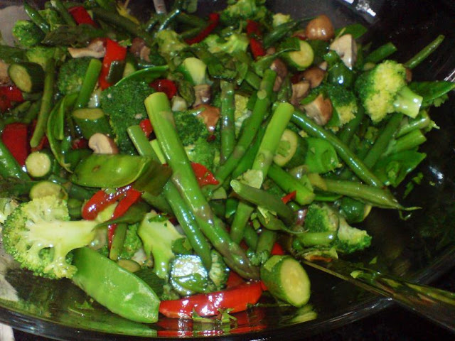 asparagus, beans, broccoli, gluten free, greens, mushrooms, salad, vegetables, wheat free, zucchini,