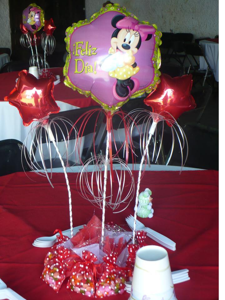Centros de mesa para baby shower con globos metalicos for Pedestales metalicos para mesas