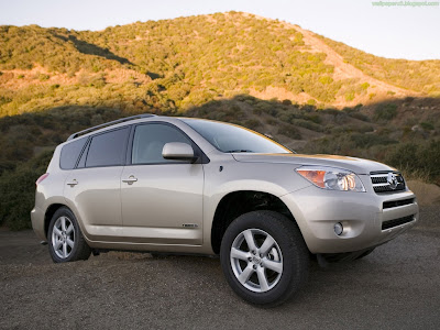 Toyota RAV4 Standard Resolution Wallpaper 2