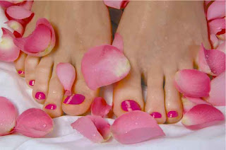 Paraffin wax pedicure | WiseShe