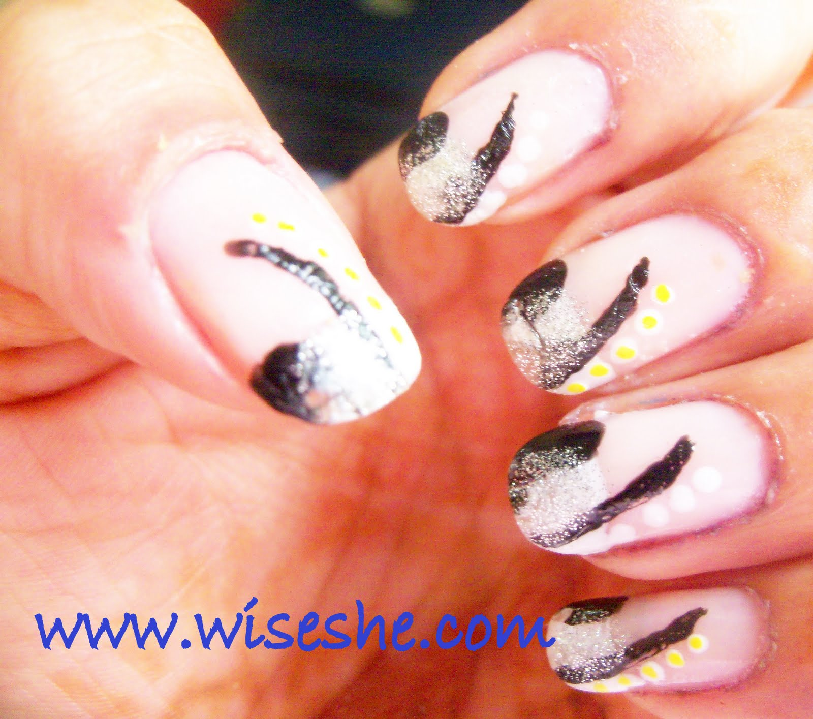 Hand Painted Nail Art Designs: NOTD-Hand Painted Nail Art Design