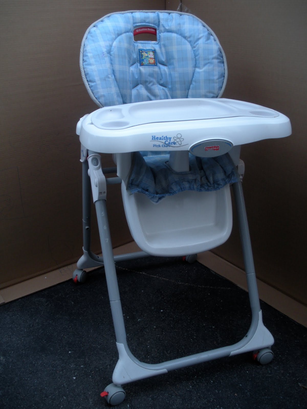 High Chair Fisher Price Clutter Clear Out Fisher Price High Chair 30 00