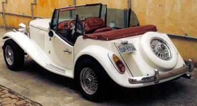 No MP de Alberto Benevides, o estepe estilizado na traseira favorece a refrigeração do motor.