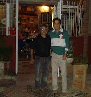 Salvatore e Tosetto na entrada da Cantina