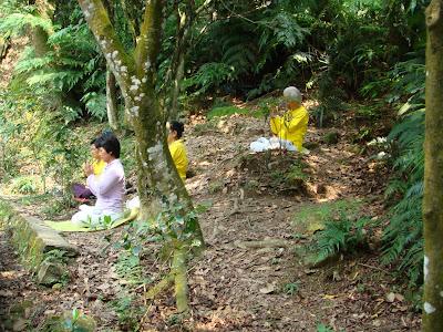 La tierra de los  tres mil templos, y en el Pacifico : Kenting