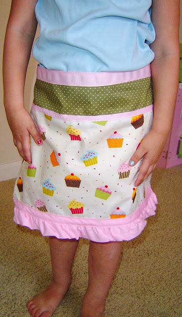 cupcake+apron+01 Cupcake Apron 7