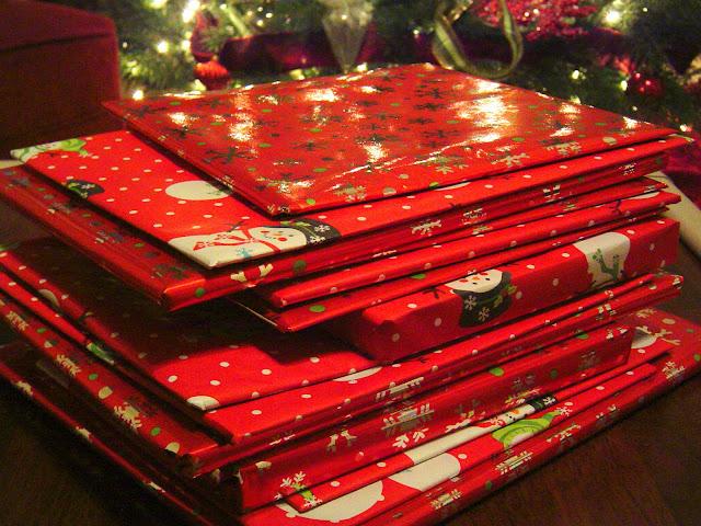 Christmas+Books+wrapped+edited2 Christmas Book Tradition 6