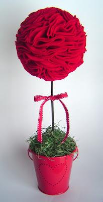 FeltTopiary Simple Valentine's Day Décor: Felt Topiary 12