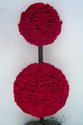 DoubleTopiaryCloseUp Simple Valentine's Day Décor: Felt Topiary 14