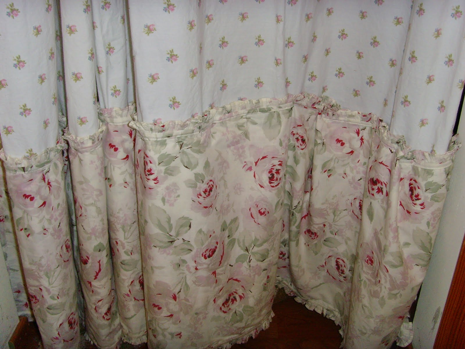 Shabby chic curtains - Rachel Ashwell Simply Shabby Chic Shower Curtain New Cherry Lily S Pad And Petals Napkins To Valance