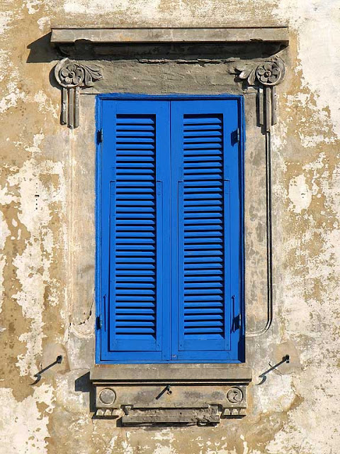 Colorful shutters, Livorno