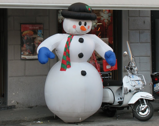 Inflatable Snowman, Livorno